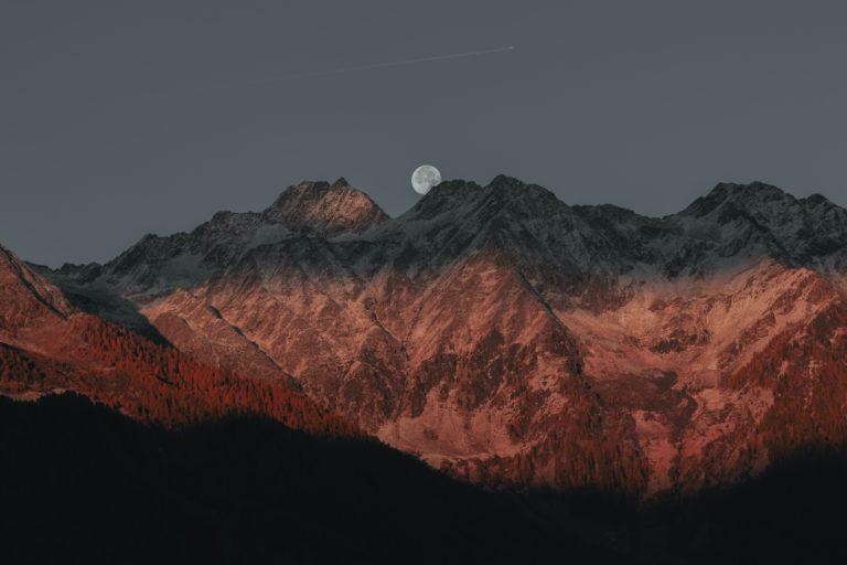 Lune moon montagne